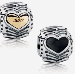 2011 Midnight Heart Pandora Charm